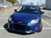 Focus SE, 4D Hatchback, **Clean CarFax**, **Like New**,