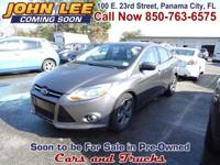 LOADED WITH FEATURES! This 2012 Ford Focus SE has Cloth