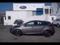 GREAT LOOKING TITANIUM FOCUS !! LOADED WITH LEATHER TU