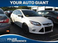Come see this 2012 Ford Focus Titanium. Its Automatic
