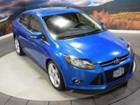 EPA 38 MPG Hwy/28 MPG City! CARFAX 1-Owner, Excellent