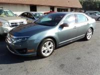 SE, Rear Defroster, Alloy Wheels, Sunroof, Sync, Auto