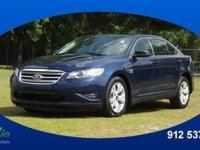 2012 Ford Taurus SEL makes room for the whole team and