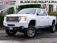 4WD/4x4, Duramax, Power Sunroof, Heated Leather Seats,