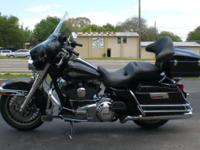Attractive Electra Glide that prepares to do some