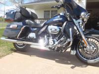 2012 Harley Davidson FLHTK Electra Glide Ultra Limited.