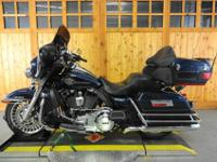 2012 HARLEY DAVIDSON ULTRA CLASSICBIG BLUE PEARL OVER