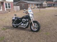 2012 Harley Davidson XL1200C Sportster Custom. Nice