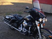 7000 miles has kit to change to street glide install on