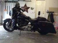 2012 Street Glide Big blue pearl 7500 miles Vance and