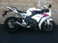 2012 Honda CBR1000rr Superbike One Owner. bought in