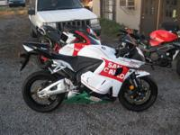 2012 Honda CBR600RR repaired and ready only 700 miles