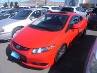 ONLY 28,685 Miles! Si trim. Moonroof, Nav System,