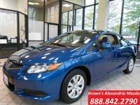Inform on your own with the 2012 Honda Civic! This car