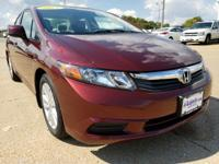 Delivers 39 Highway MPG and 28 City MPG! This Honda