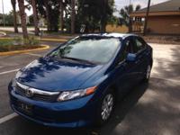 2012 HONDA CIVIC LX. 27,400 MILES. 4-DOOR-