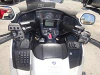 2012 HONDA GOLDWING TRIKECOMPLETELY LOADED!8,845