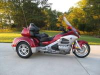 Here is a stunning 2012 Honda GL1800 Goldwing Level III