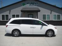 2 owner, 2012 Honda Odyssey EXL with DVD/Rear