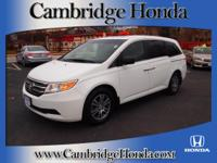 Exterior Color: taffeta white, Body: Minivan, Engine: