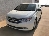 NEW TIRES, NAVIGATION, SUNROOF/MOONROOF, NON SMOKER,