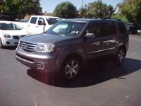 NAV,DVD,3 Rows Seating,Moonroof,4WD Touring,Trailer