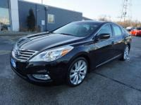 2012 Hyundai Azera Limited Ultimate CARFAX One-Owner.