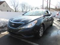 Form meets function with the 2012 Hyundai Sonata. This