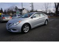 Sensibility and practicality define the 2012 Hyundai