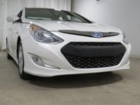 Just Reduced! Clean CARFAX. Low Mileage!, *KEYLESS