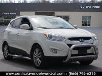 2012 Hyundai Tucson Limited White CARFAX One-Owner.