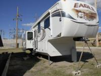 We are selling this very nice 2012 Jayco Eagle 5th