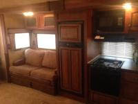 2012 Jayco Eagle Super Lite 31.5 RLTS, This fifth wheel