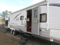 2012 Jayco Jay Flight M32BHDS. Experience the luxurious