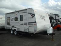 Super clean 2012 Jayco 198RD camper! Sleeps 7! TV,