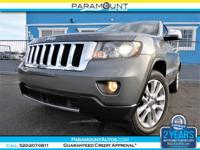 GORGEOUS LATE MODEL LOADED 2012 JEEP GRAND CHEROKEE