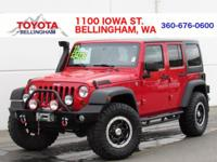 ONE OWNER * NO ACCIDENTS * 4X4 * WINCH * MOONROOF *