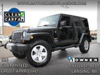 Options:  2012 Jeep Wrangler Unlimited Sahara|Removable