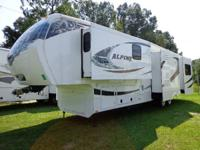 2012 ALPINE 3555RL / 4 SLIDE / 5TH WHEEL  $45,900 /