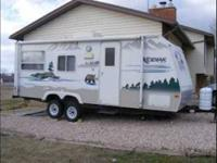 2012 Keystone Bullet This travel trailer is self
