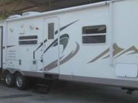 2012 Keystone FOR RENT 31' Flagstaff w/ 2 Slides