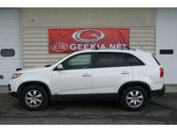 This 2012 Sorento is immaculate. Well maintained,