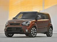 Bright Silver Metallic 2012 Kia Soul FWD 6-Speed