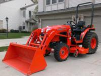 2012 Kubota B3200 Compact Tractor featuring a Kubota