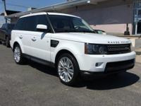 4 Wheel Drive! Nav! This handsome 2012 Land Rover Range