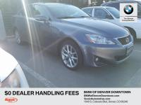 Sun/Moonroof, Leather upholstery, Premium sound system,