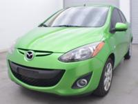 FUEL EFFICIENT 35 MPG Hwy/29 MPG City! CARFAX 1-Owner.