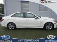 PRICED TO MOVE $700 below Kelley Blue Book! Moonroof,