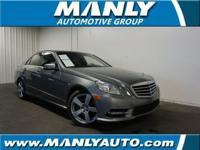 SUNROOF/MOONROOF, CLEAN CARFAX!, LEATHER SEATS, and
