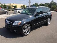 LOCALLY OWNED CREAM PUFF!. 4MATIC and Black w/MB-Tex